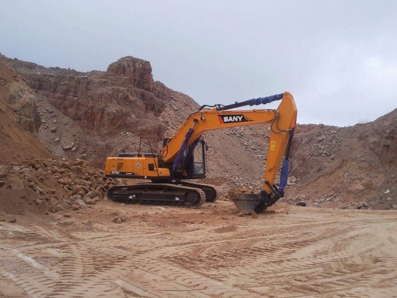 Sany 21 Ton Excavator Supports Natural Gas Pipeline Construction in Iran