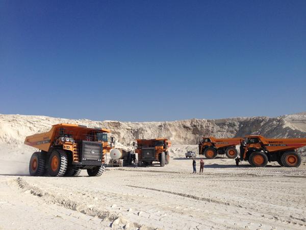 17 Sany Mining Trucks Used at Tunisian Phosphate Mines