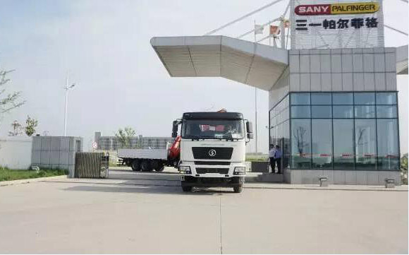 Sany Palfinger completed a 18 lorry-mounted cranes order in Middle East