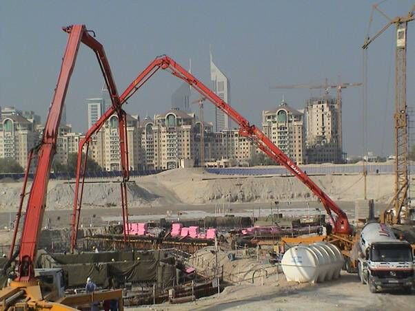 Burj Khalifas Foundation Construction.jpg