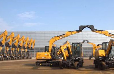 A SANY excavator dancing!