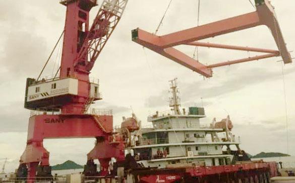 SANY запускает первый 100-тонный портовый кран в Китае