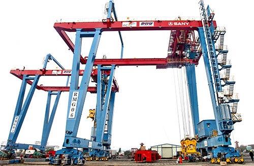 Sany Rail-Mounted Gantry Cranes (Derek Jembatan Di Atas Rel) di Pelabuhan Jakarta, Indonesia