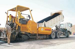 معدات الثقيلة ساني شاركت في مشروع الطريق السريع الشرق والغرب في الجزائر