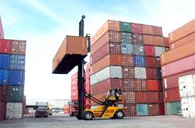 Empty container handler Sany bekerja secara efisien di Malaysia