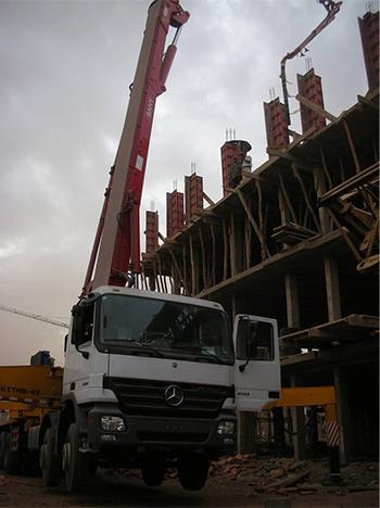 شاحنة مضخة الخرسانة شاركت المشروعات البناء في المغرب.jpg