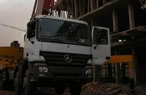 شاحنة مضخة الخرسانة شاركت المشروعات البناء في المغرب