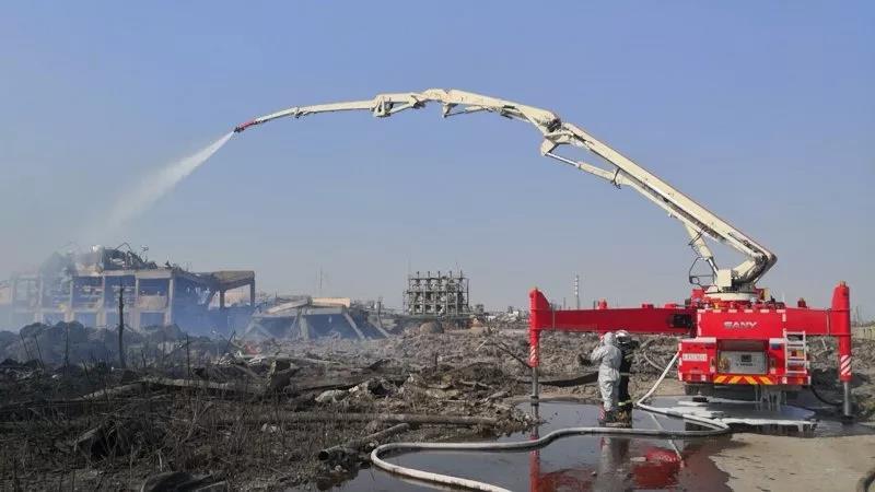 Los equipos de rescate y emergencia de Sany acudieron a la primera línea del condado Xiangshui