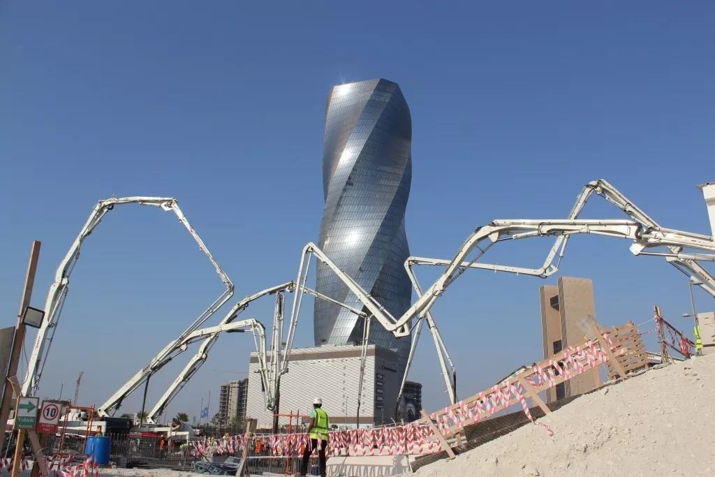 El nuevo hito de la fundación de 7700 m³ de Bahrein se completó una vez