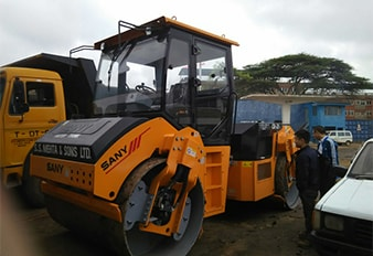 Build connections between Kenya and Uganda through SANY road machines