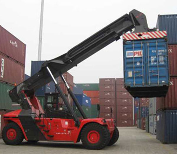 SANY REACH STACKER AT HPH TERMINAL.jpg