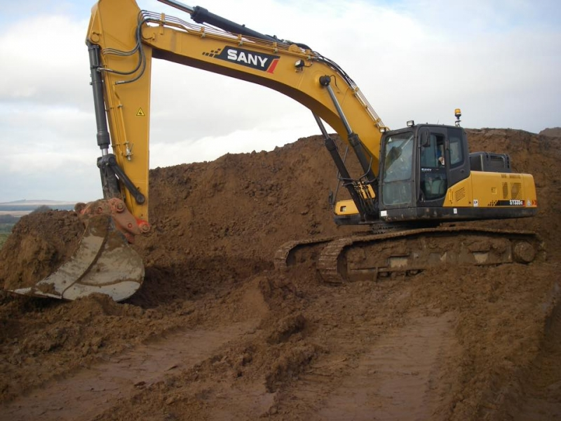 SANY Excavator Built Fishpond in Gabon