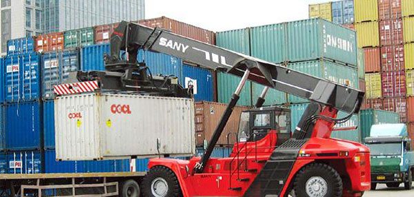 container lifting device.jpg