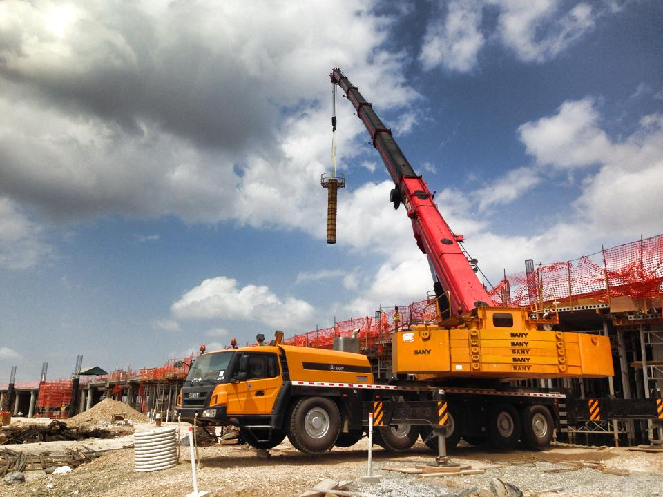 Argentina dealer, Gruas San Blas S.A., takes SANY crane machinery to the Top 2 slot, by focusing on service