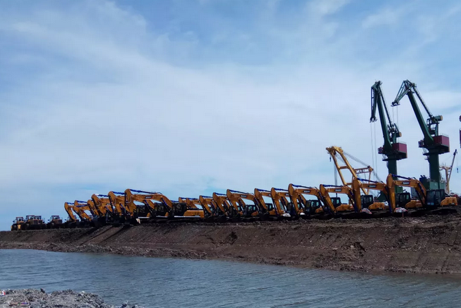 600 units of Sany Excavator Booms at Indonesia Sulawesi Island