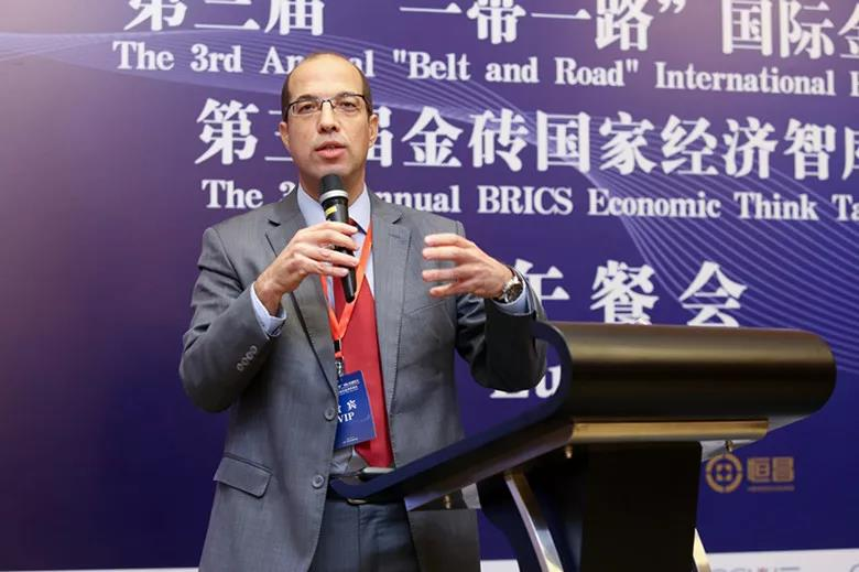 Tarek Amri: Former Ambassador to China Builds a bridge between China and Africa The China-Africa Economic and Trade Expo pushed a tall, white-skinned gentleman to public. He was former Tunisian ambassador to China, and now is the SANY Vice President, Tarek Amri.